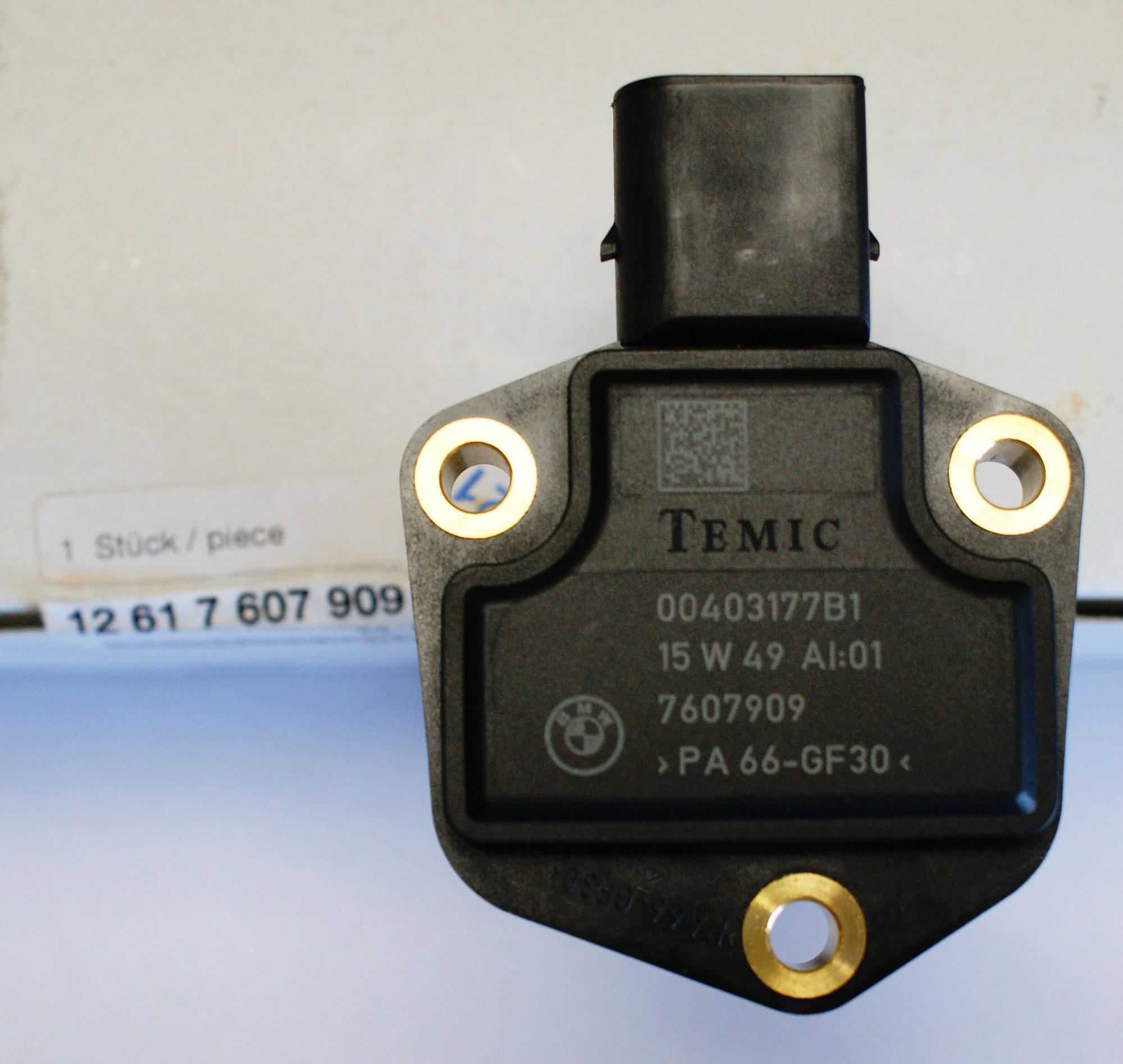 BMW 525 528 530 535 X3 X5 X6 New OE BMW Oil Level Sensor